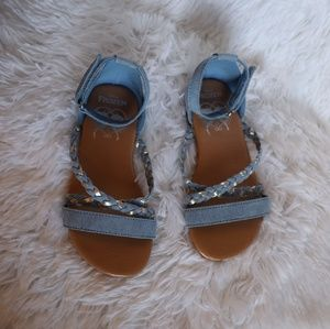 Other - 2/$15 Frozen girls sandals 10c